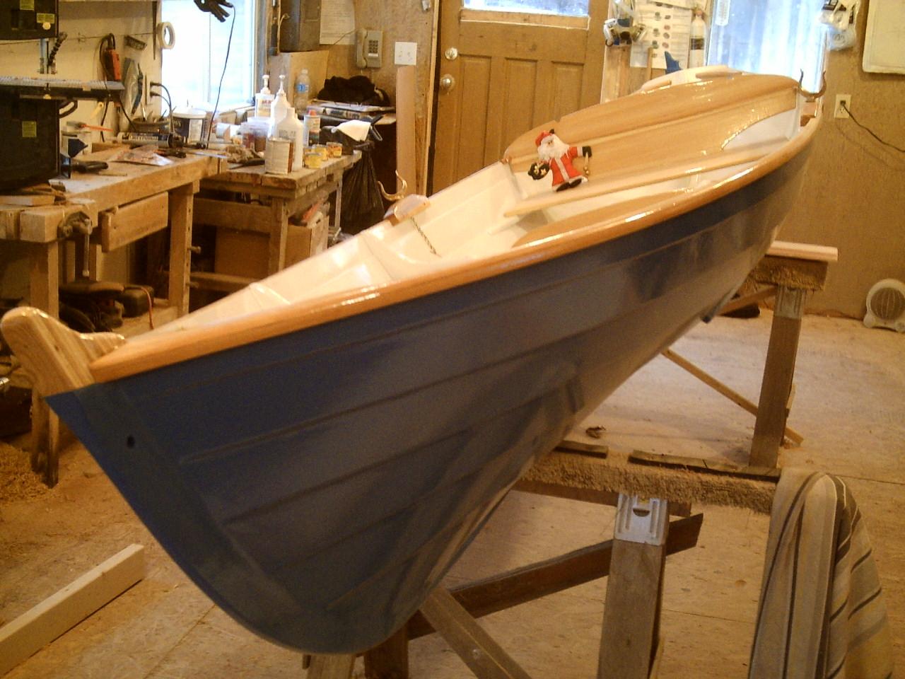 15ft Thames River Skiff - Sleek Wooden Rowboat - Harwood ...